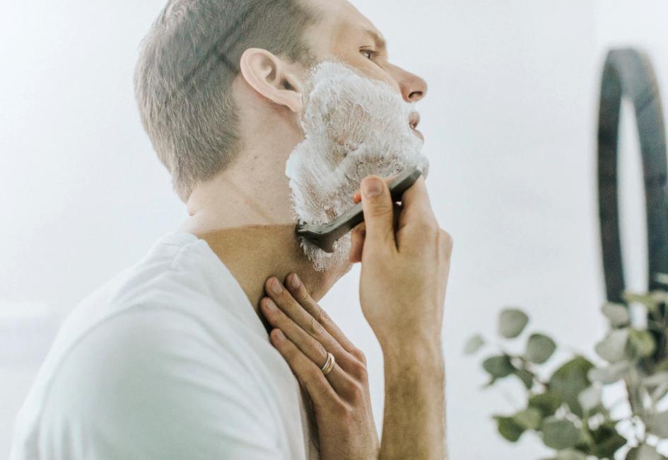 ひげ剃りで肌荒れを起こさない方法! 正しい手順で美肌になろう!~美容専門家の直伝情報〜